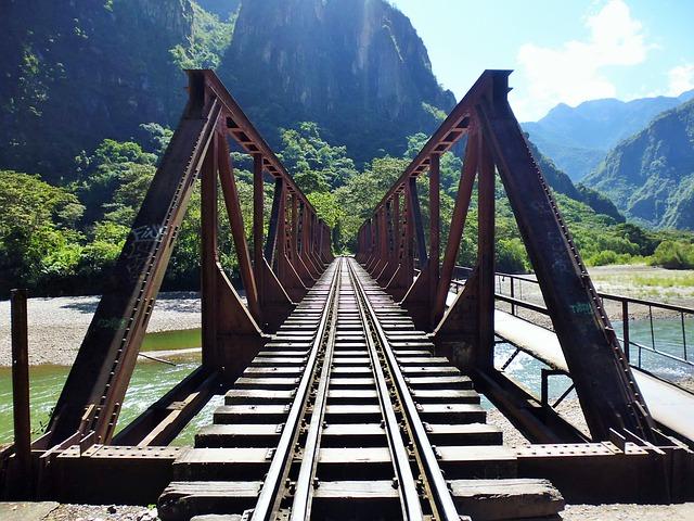 深い被写界深度の橋